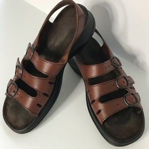 Clarks Springers Strap cushioned Brown Sandals 6M